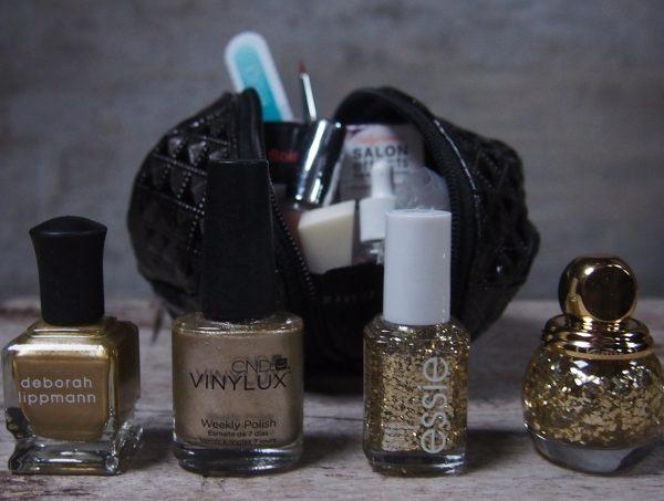 Guld og glitter neglelak
