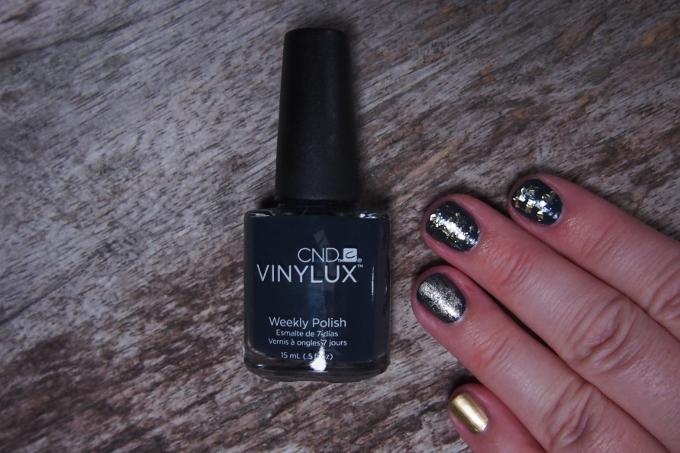 Guld og glitter neglelak swatches