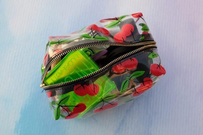 Fredagsfavorit: Skinny Dip Glitter Cherry Makeuptaske